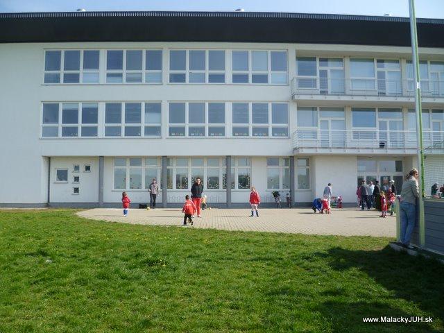 Veľkonočný medzinárodný ZLATÝ futbalový turnaj ČSFA (17.4.2011) - P1020056.JPG