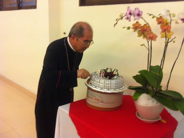 Hình ảnh mừng sinh nhật thứ 71 Đức Cha Giuse, Giám Mục Giáo Phận (10.9.1944 - 10.9.2015)