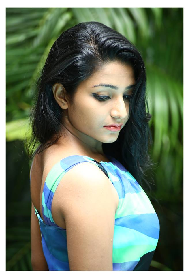 Anuraga Karikkin Vellam Actress Rajisha Vijayan Hot Photos