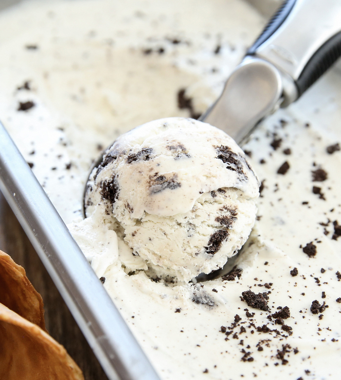 close-up photo of a scoop of No Churn Cookies and Cream Ice Cream