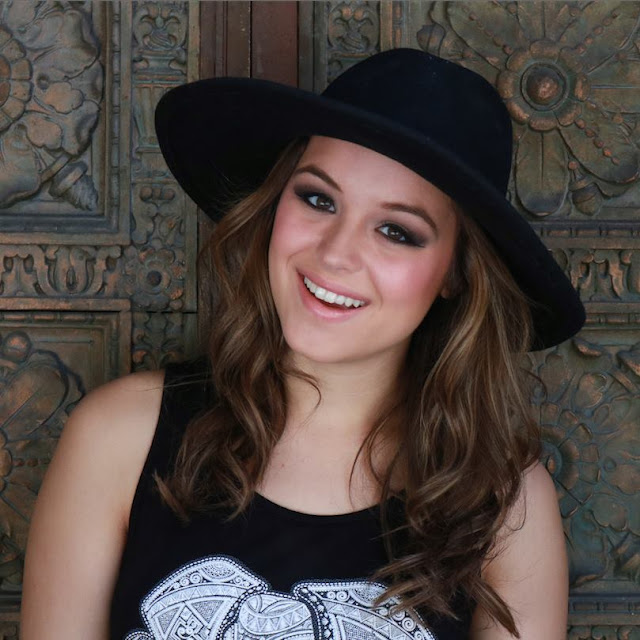 Hayley Orrantia Profile Pics Dp Images