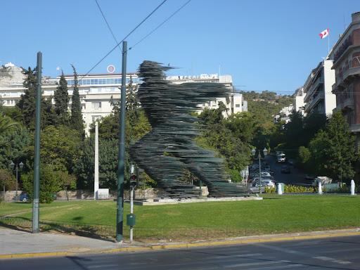 - statue du Coureur de Marathon