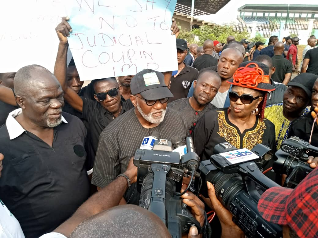 Oseloka H. Obaze, PDP State Chairman Ndubisi Nwobu led the Anambra State PDP faithfuls On a Peaceful Protest