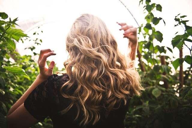 كيف تسرع عملية نمو شعرك؟