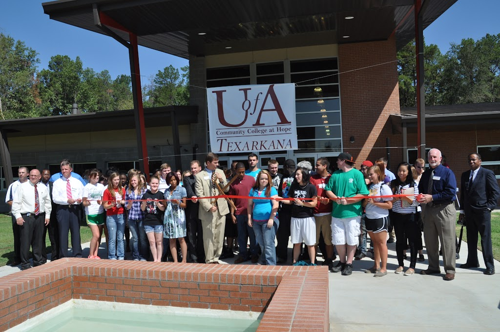 UACCH-Texarkana Ribbon Cutting - DSC_0397.JPG