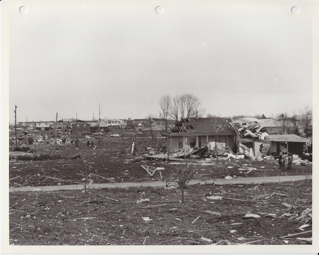 1976 Tornado photos collection - 72.tif