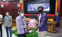 Bupati Serahkan Hadiah Lomba Mural, Foto Berbusana Adat Nusantara dan Foto Pariwisata