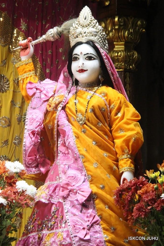 ISKCON Juhu Mangal Deity Darshan on 30th June 2016 (27)