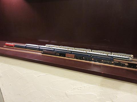 鉄道喫茶・居酒屋「ぽぷら」 玄関に展示の鉄道模型 その2
