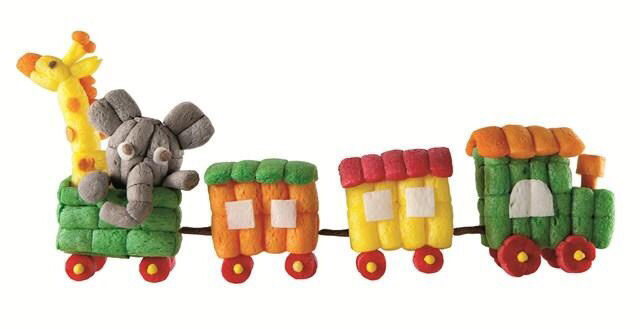manualidades-niños-material-fecula-patata-playmais-tren-infantil