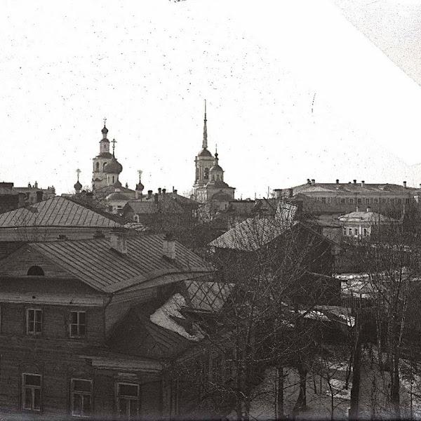 Вид из здания Вологодской мужской гимназии в сторону Спасо-Всеградского собора и церкви Николая Чудотворца. Начало 1900-х Вологда