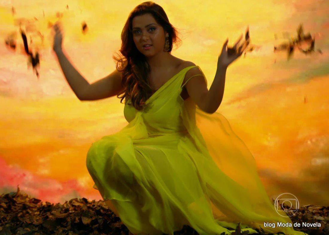 moda da novela Em Família - vestido amarelo da Bárbara dia 26 de maio