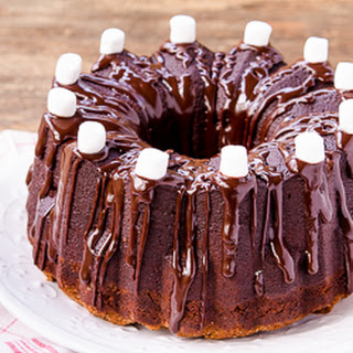 Toffee Chip Hot Chocolate Pound Cake