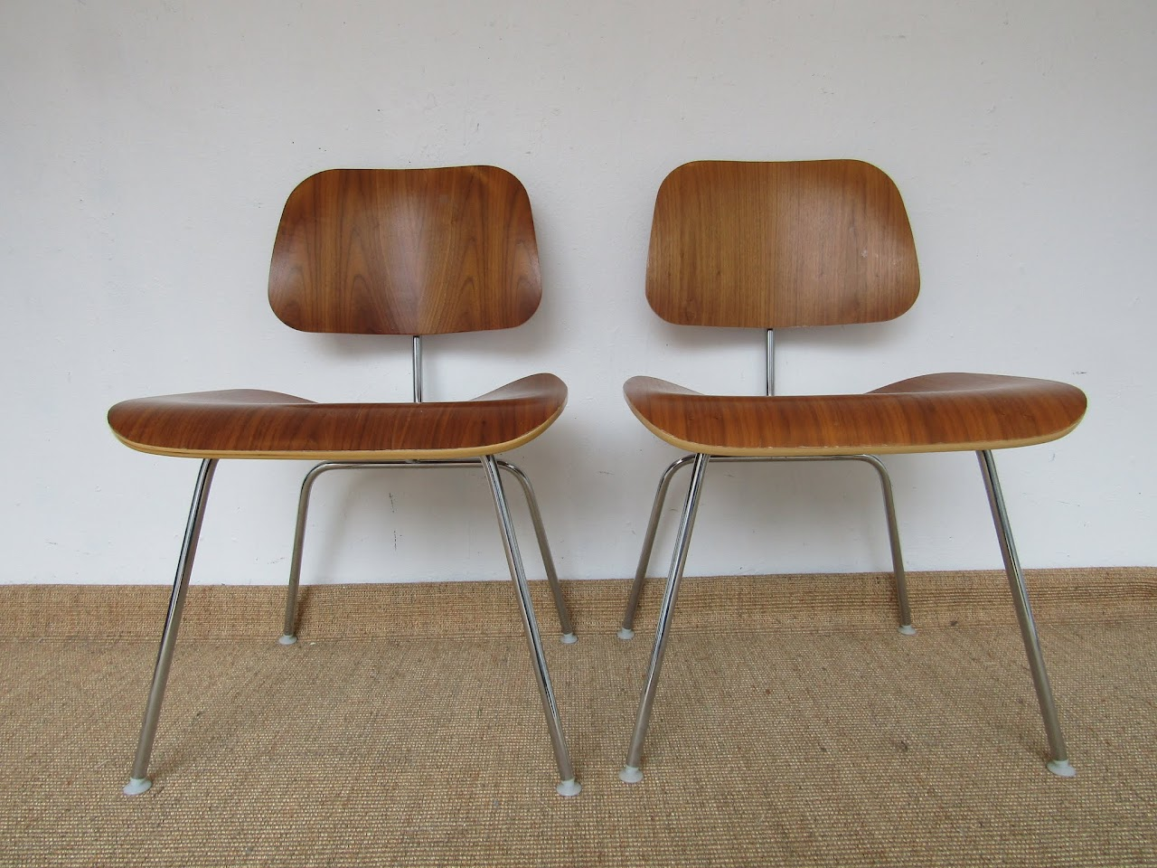 Eames Molded Plywood Chair Pair (2)