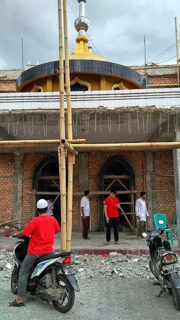 Senyum Ba'da Ashar di Masjid Al-Akbar