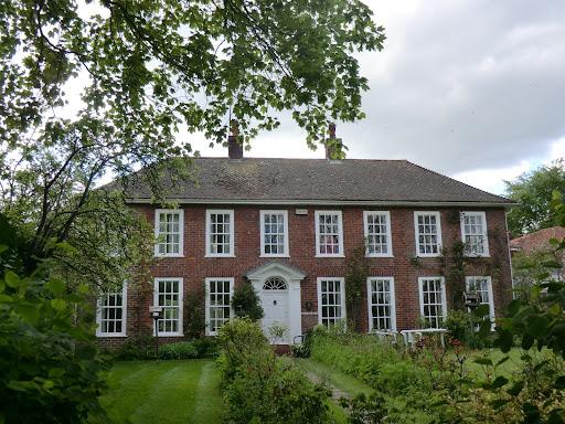 CIMG2920 Queen Anne House, Shoreham