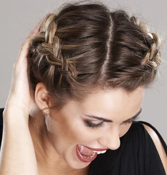 FABULOUS PARTY HAIR STYLES FOR ATTRACTIVE LADIES THROUGH HOLIDAYS 10