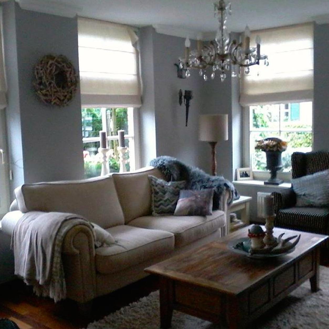 het account van olga met fotos van haar originele interieur met zachte kleuren en een moderne twist verdient ook zeker een plekje in je instagram lijst