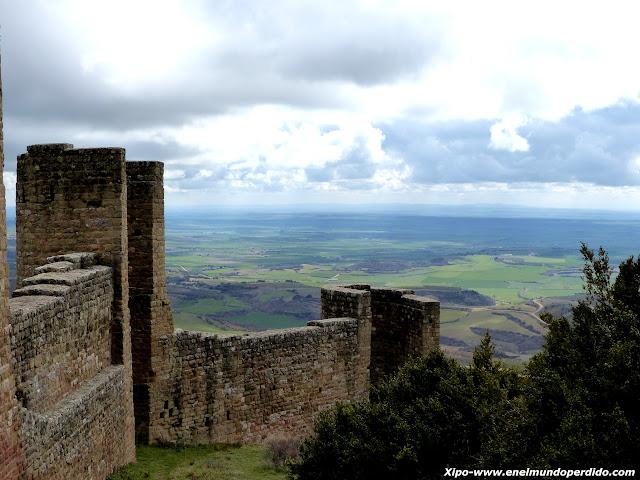 muralla-castillo-loarre-vistas.JPG