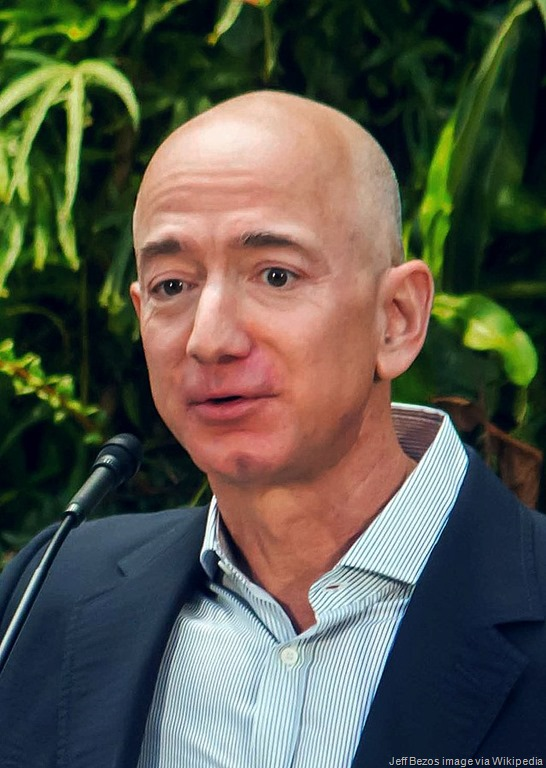 [Jeff_Bezos_at_Amazon_Spheres_Grand_Opening_in_Seattle%5B13%5D]
