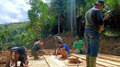 Gotong-royong  Giat Bangun Jembatan Kelima Jalan Baru, TMMD Kodim Tapsel