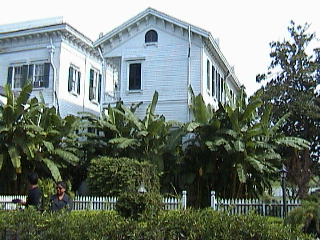 0950A_Southern_Mansion_Garden_-_New_Orleans