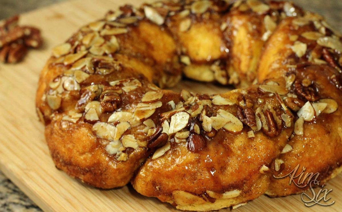 Easy Cinnamon Pecan Ring