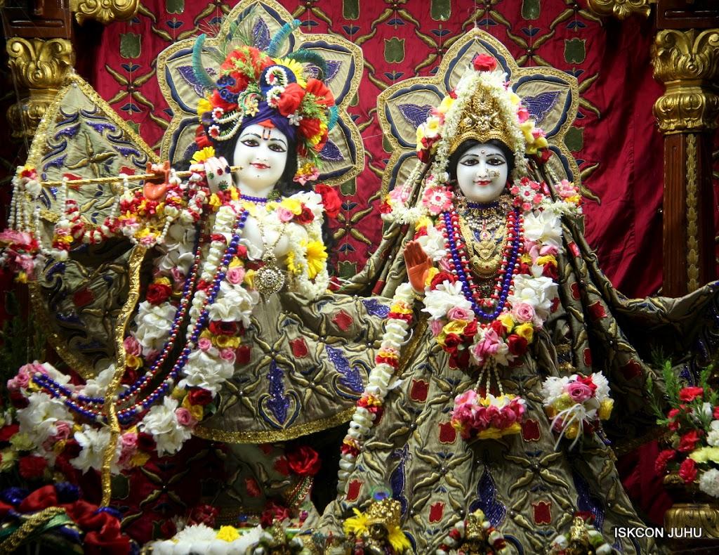 ISKCON Juhu Sringar Deity Darshan on 24th June 2016 (13)