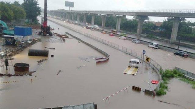 Demokrat: Ternyata Banjir Tol Cikampek Disebabkan Proyek Kereta Cepat China Bukan Hoax