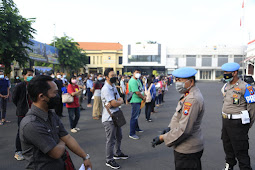 Gerai Vaksin Presisi Polrestabes Surabaya Tetap Jaga Prokes Secara Ketat