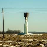 Хотушь. Вдонапорная башня - замерзшая вода еще не растаяла