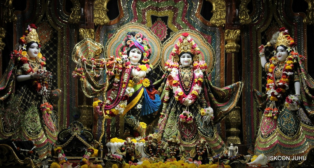 ISKCON Juhu Sringar Deity Darshan 09 April 2016 (47)