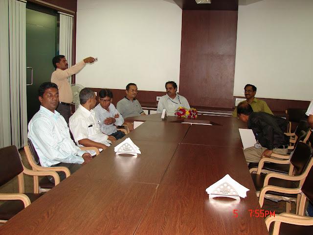 Demonstration of Amateur Radio Satellite communication to Mr Annadurai and Mr Raghavamurthy - DSC00162.JPG