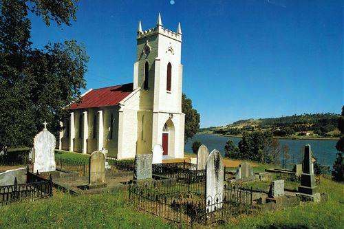 external image Discover_Tasmania_Landscape__9115912_TTAS_Exterior_ChurchGraves.jpg