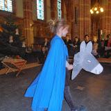 Kindje wiegen St. Agathakerk 2013 - PC251133.JPG