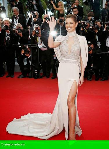 Hình 2:   Cheryl nổi bật ở LHP Cannes