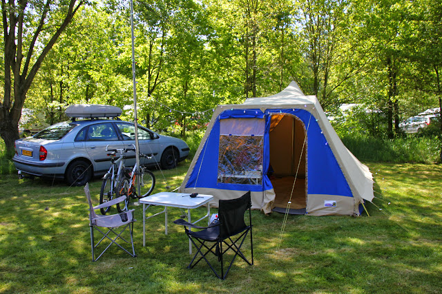 Tent & mast