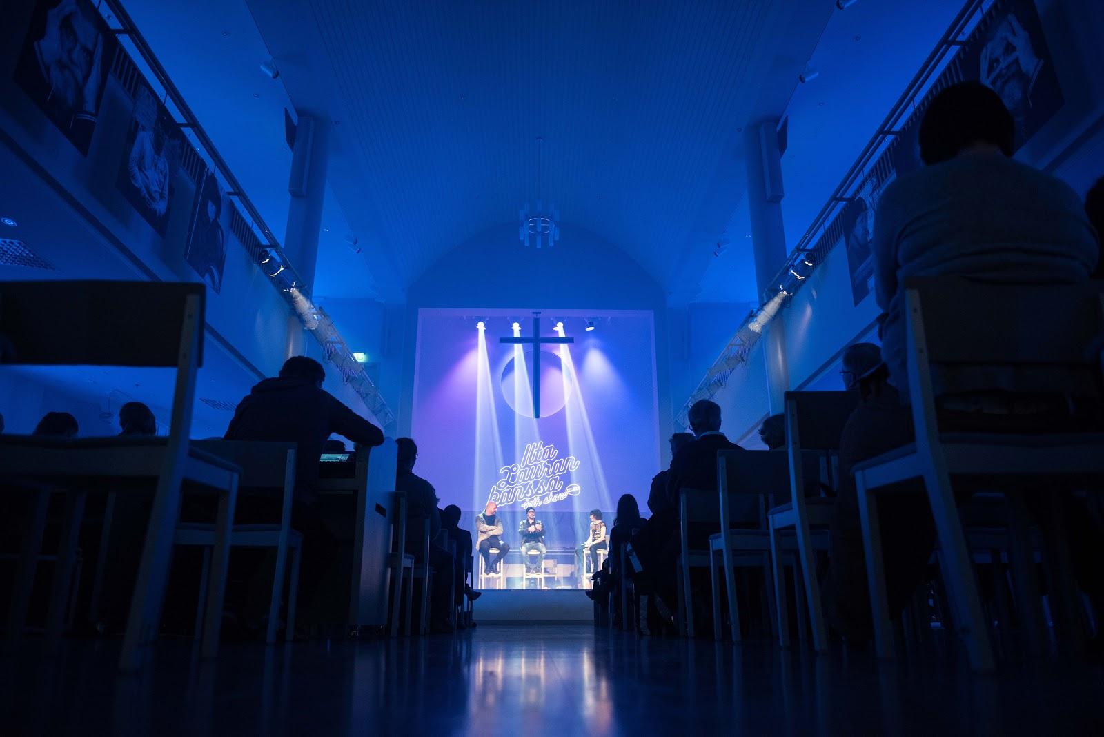 Kaupungin valot 18.3.2017 @Helsinki, Luther-kirkko - Olli%252CMikajaLaura2.jpg