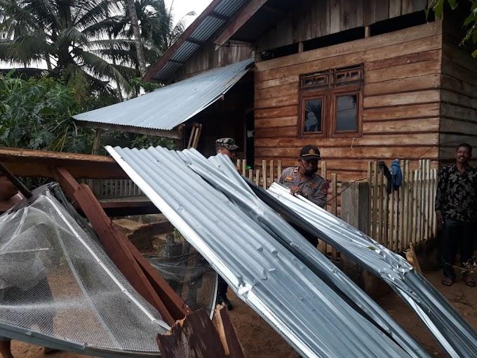 NEWS | Sebagian Wilayah Bagok Terkena Puting Beliung dan 6 Rumah Mengalami Rusak