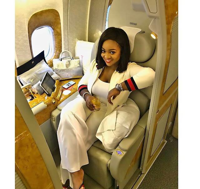 RNS : Jackie Appiah pose in the airplane as she fly VVIP  (Photos )