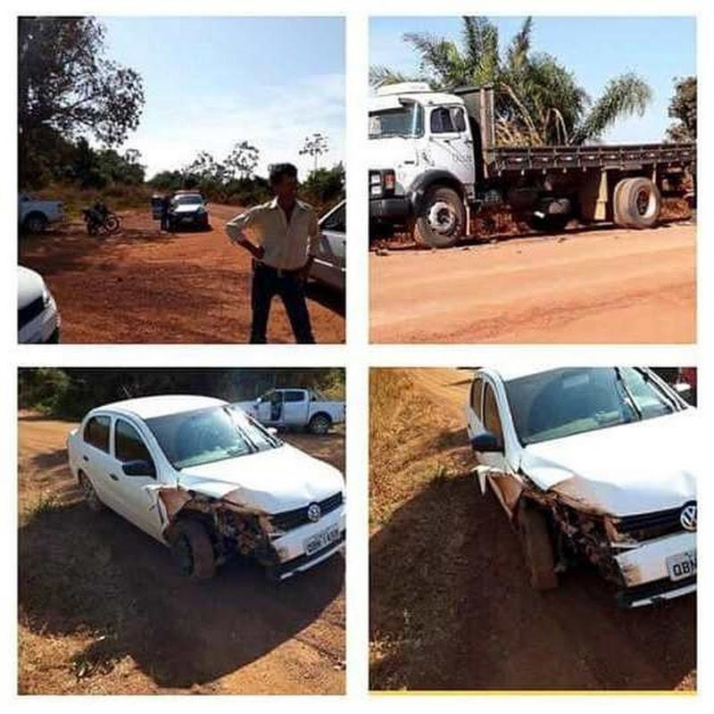 ARENÁPOLIS: Motorista bateu veículo em caminhão parado