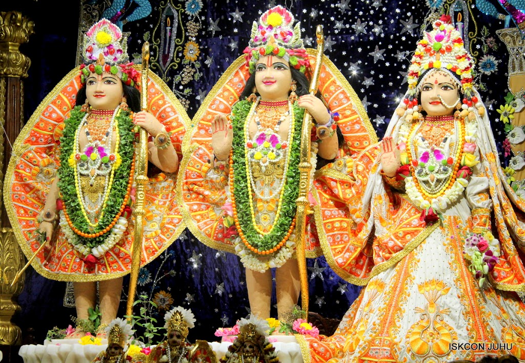 ISKCON Juhu Chandan yatara Deity Darshan on 9th May 2016 (43)