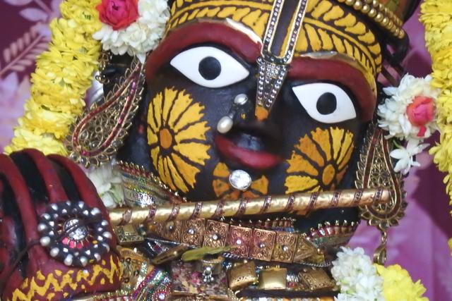Radha Govinda Devji Deity Darshan 23 April 2016 (5)