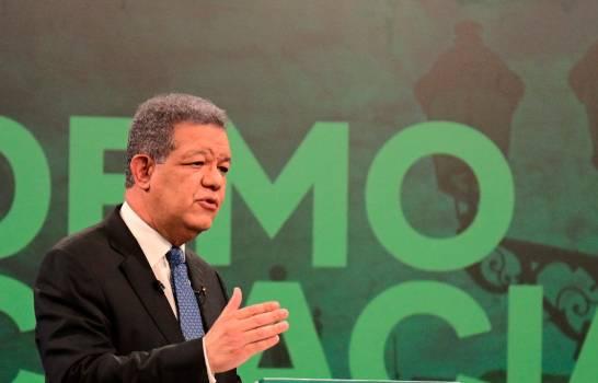 Leonel critica manejo del Gobierno y dice no hay razón de modificar la Constitución