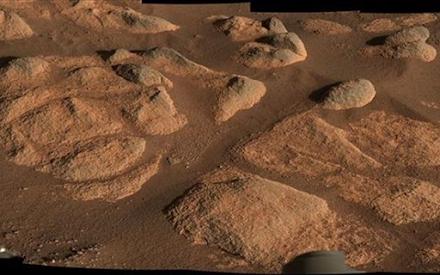 Μυστηριώδη πετρώματα εντόπισε ο ρομποτικός εξερευνητής της NASA στον Άρη