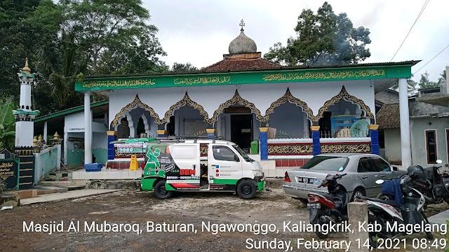 Bersíh bersih masjid Al Mubaroq