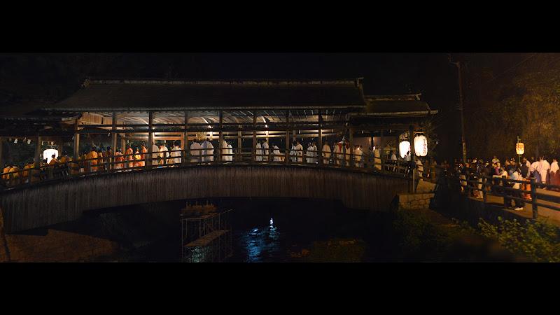 琴平町を流れる金倉川に架かる橋、鞘橋(さやばし)。