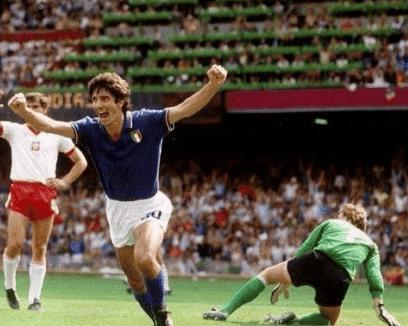وفاة باولو روسي أسطورة إيطاليا الفائز بكأس العالم عن عمر يناهز 64 عامًا