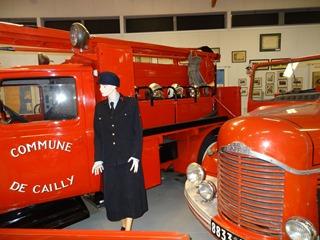 2016.04.29-034 tenue de cérémonie de la première femme pompier