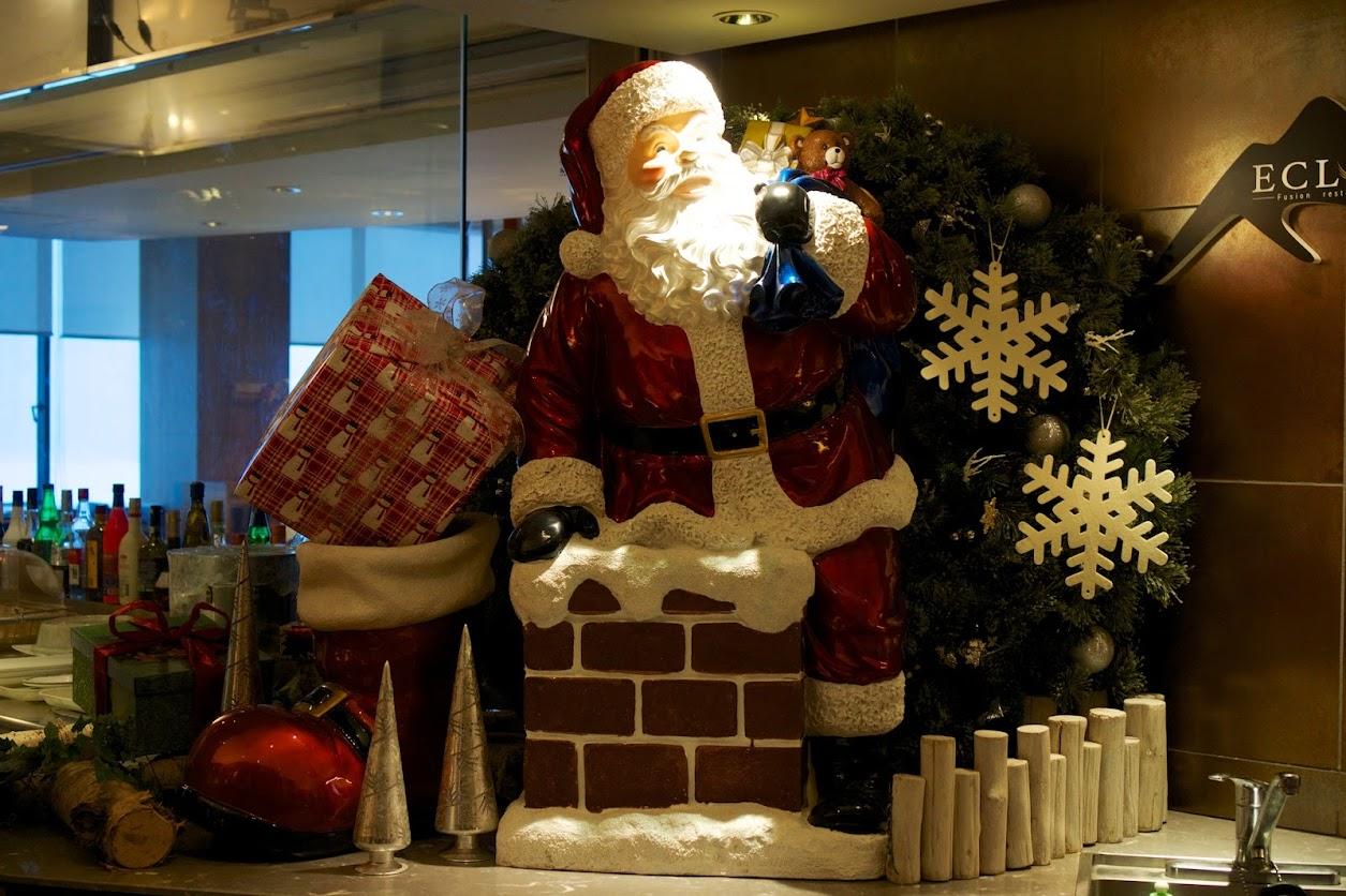 レストラン内のクリスマスインテリア